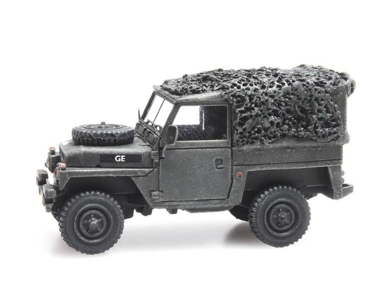 Land Rover 88 lightweight combat ready