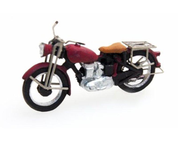 Motorrad Triumph zivil, rot