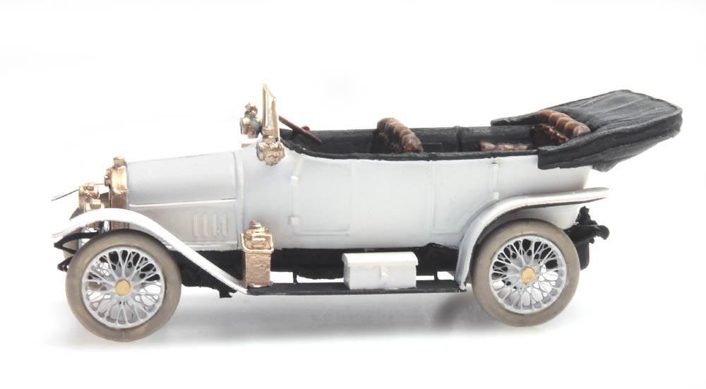 Audi 10/28 white