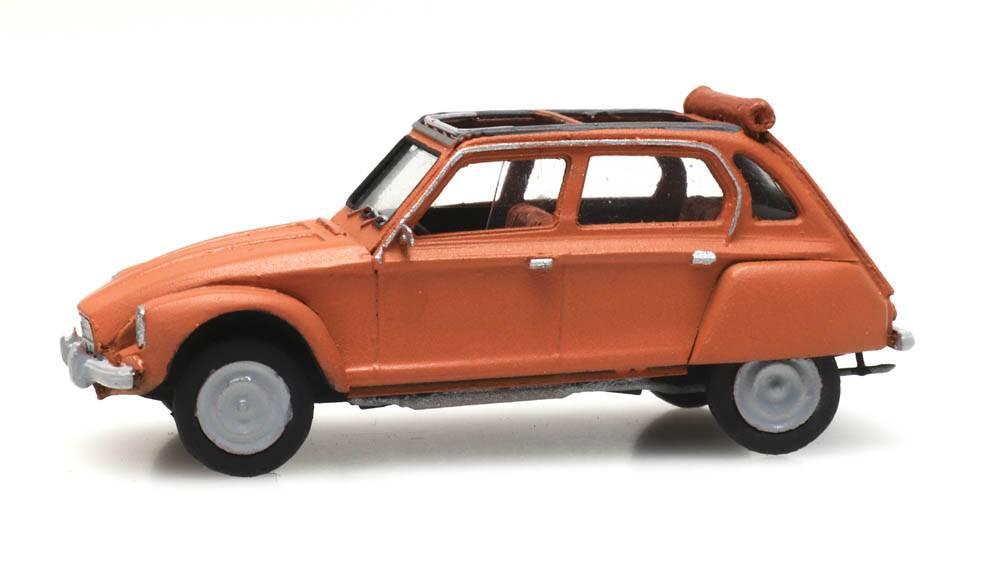 Citroën Dyane orange open roof