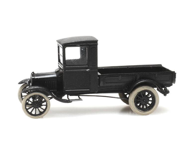 Ford Model TT flat bed truck