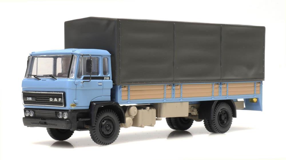 DAF kantelcabine 1982, open bak, huif, blauw