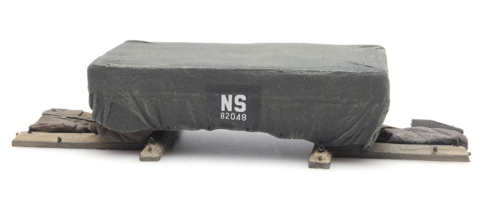 "Ladung: Transportkiste unter Plane ""NS"""