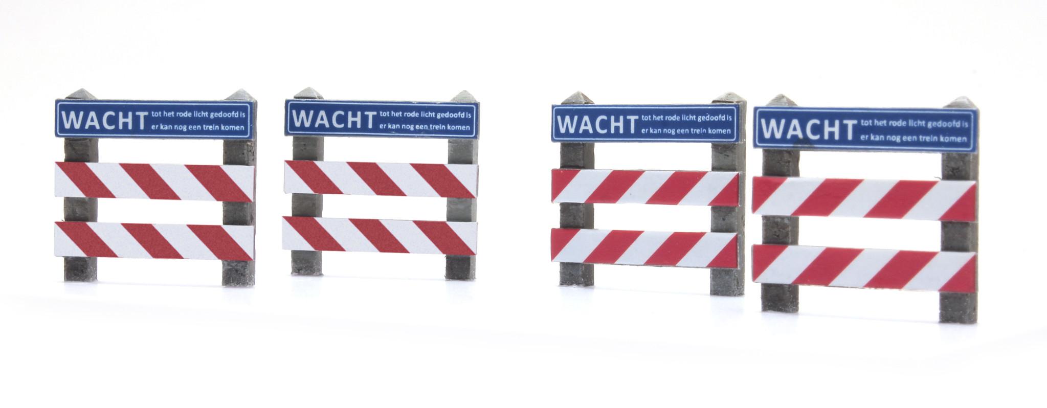 Zäune Bahnübergang mit Schild