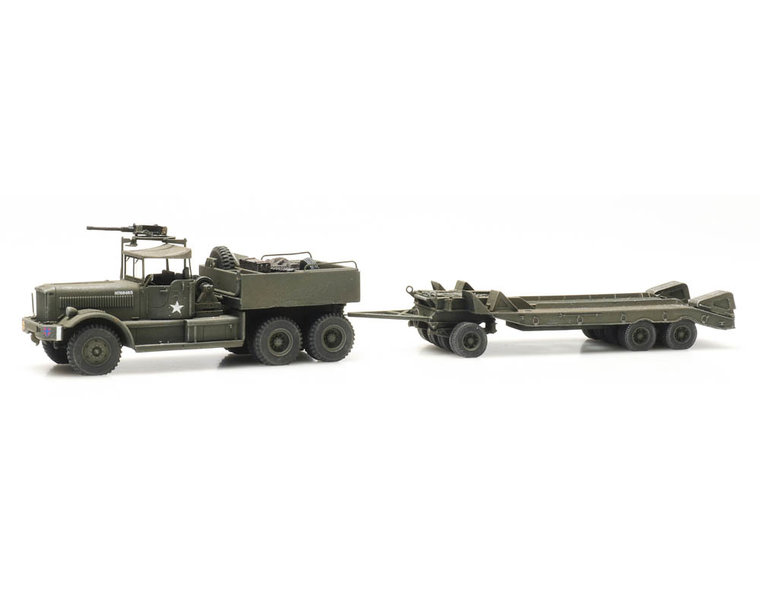M19 Diamond T with trailer British Army