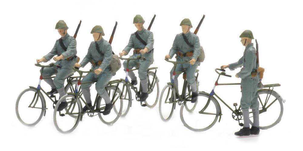 Soldaten auf dem Fahrrad 1940