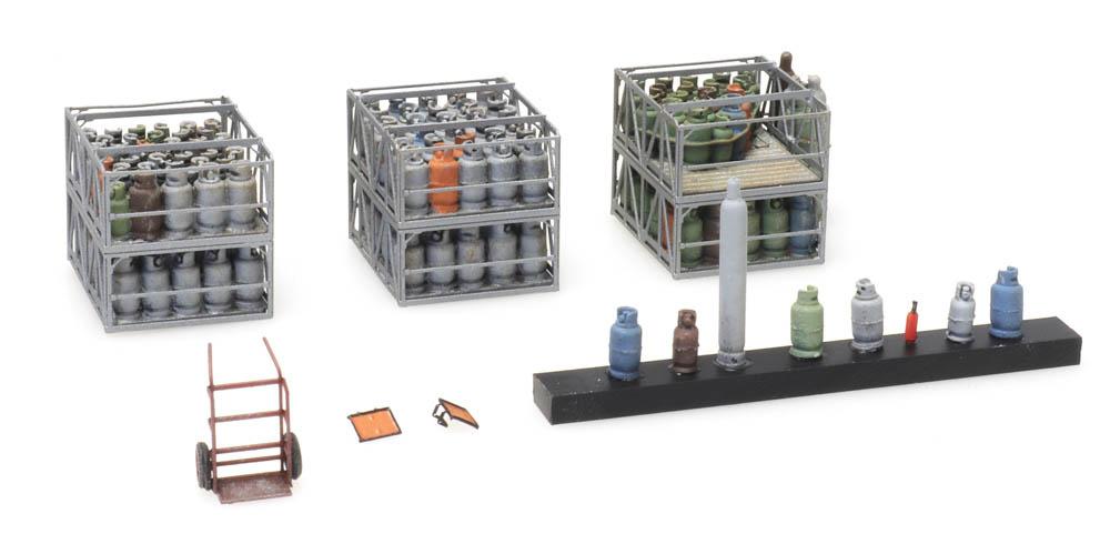 Cargo gas cylinders