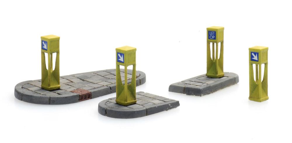 Verkehrspoller (4x) und Verkehrsinseln (2x)