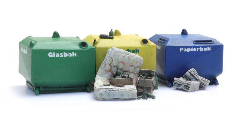 Altglas, Altpapiercontainer und Müll