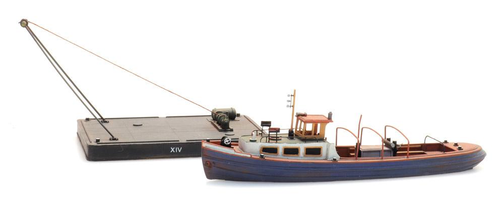 Barge and pontoon, 1:160 resin kit