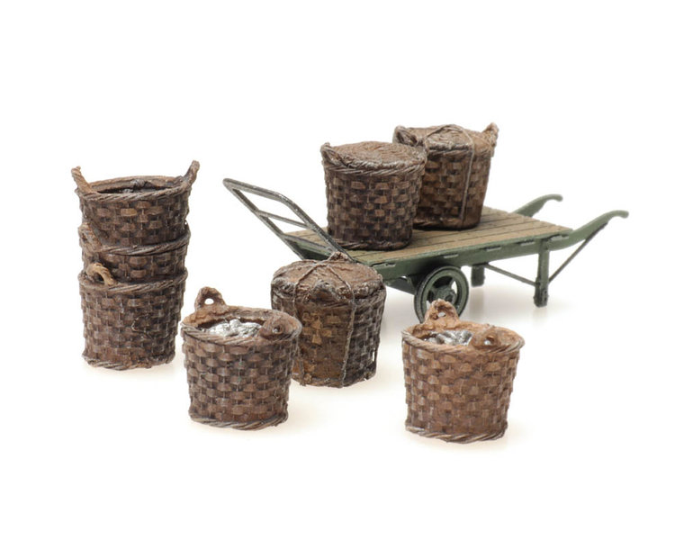 Platform cargo: fishing baskets with cart