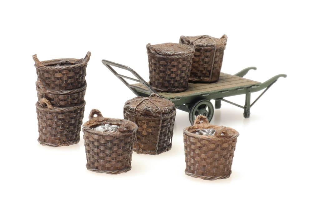 Platform cargo: fishing baskets with cart