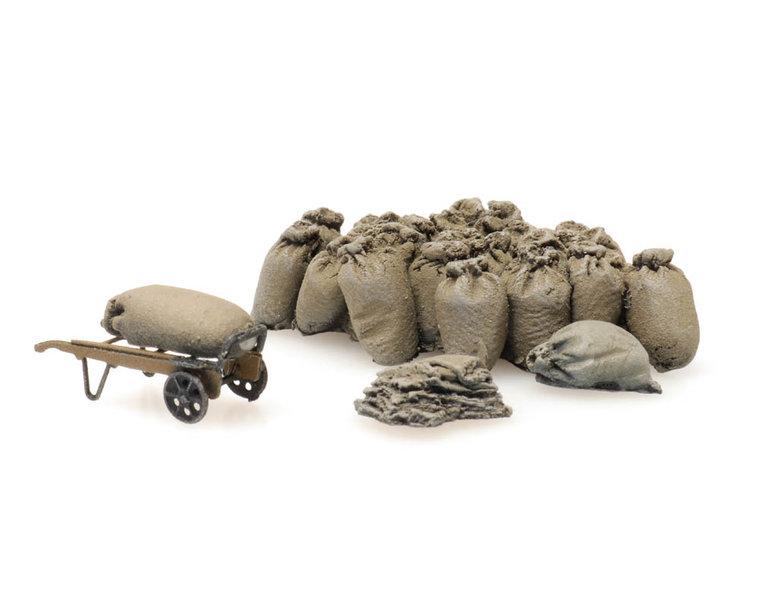 Platform cargo: jute sacks with cart