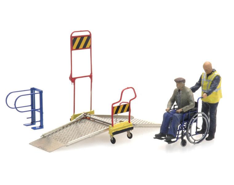 Rollstuhlrampe Eisenbahn und 2 Figuren