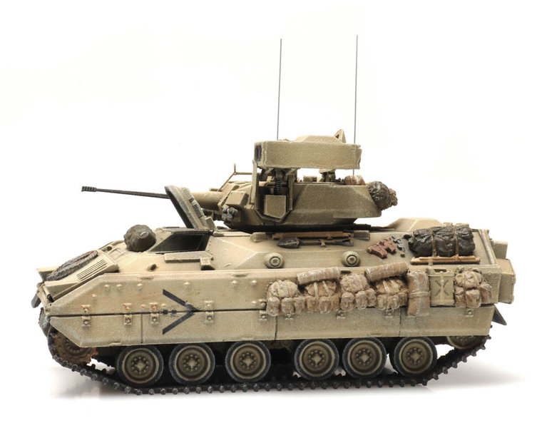 M2 IFV Bradley desert