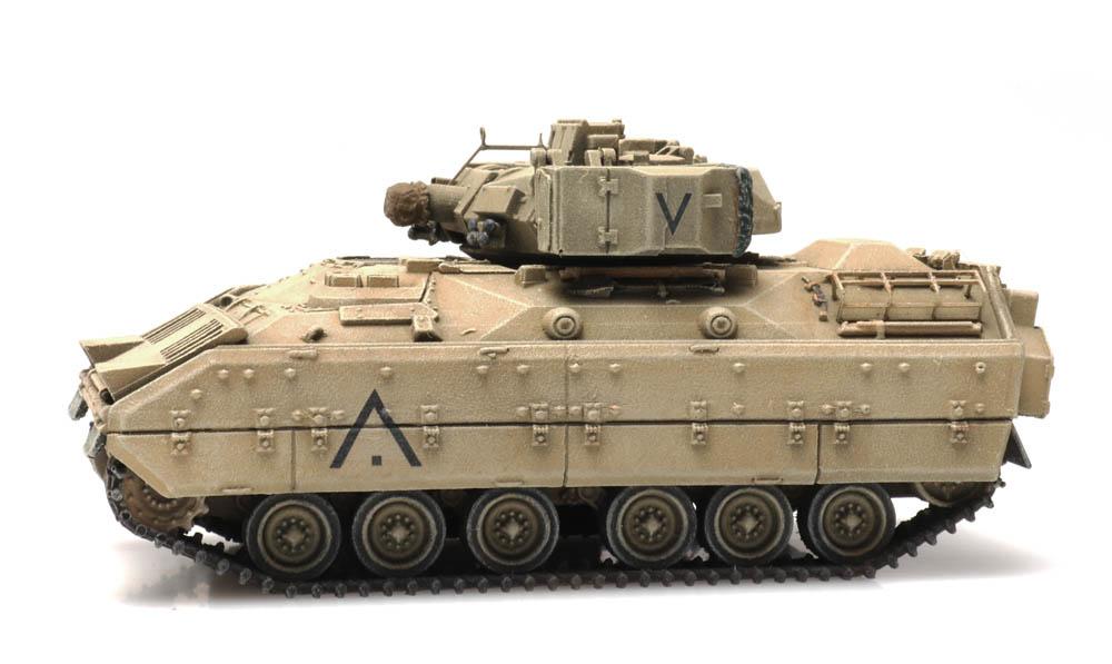M2 IFV Bradley desert train load