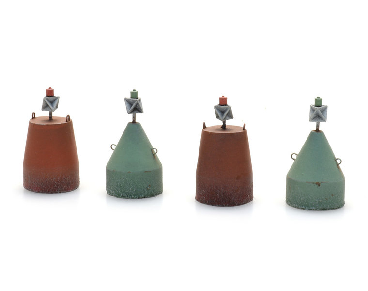 Small buoys (4x) waterline