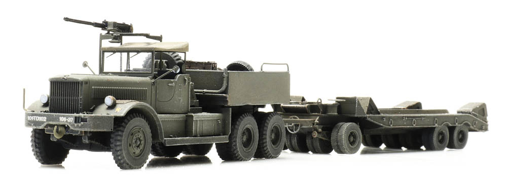 M19 Diamond T with trailer