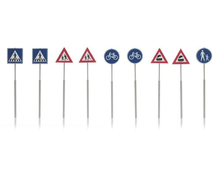 NL-verkeersborden: voetganger, fiets, trein 9 stuks