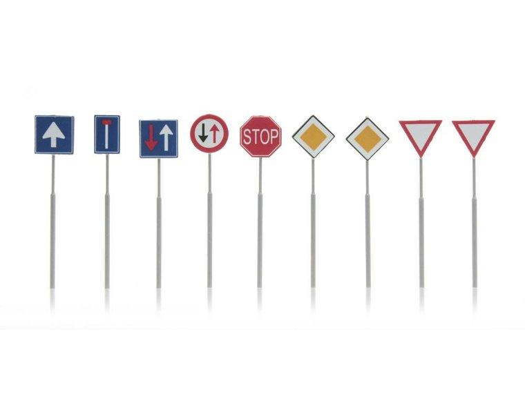 NL-verkeersborden: voorrang, richting 9 stuks