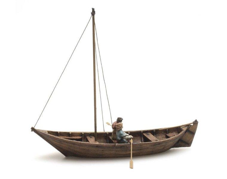 Rowboat + 2 figures, 15th century