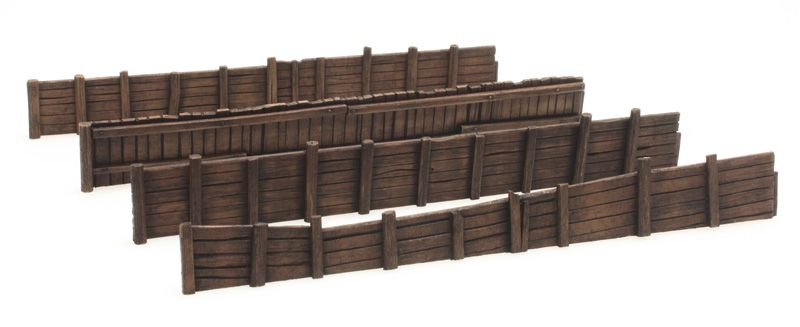 Wooden quay wall