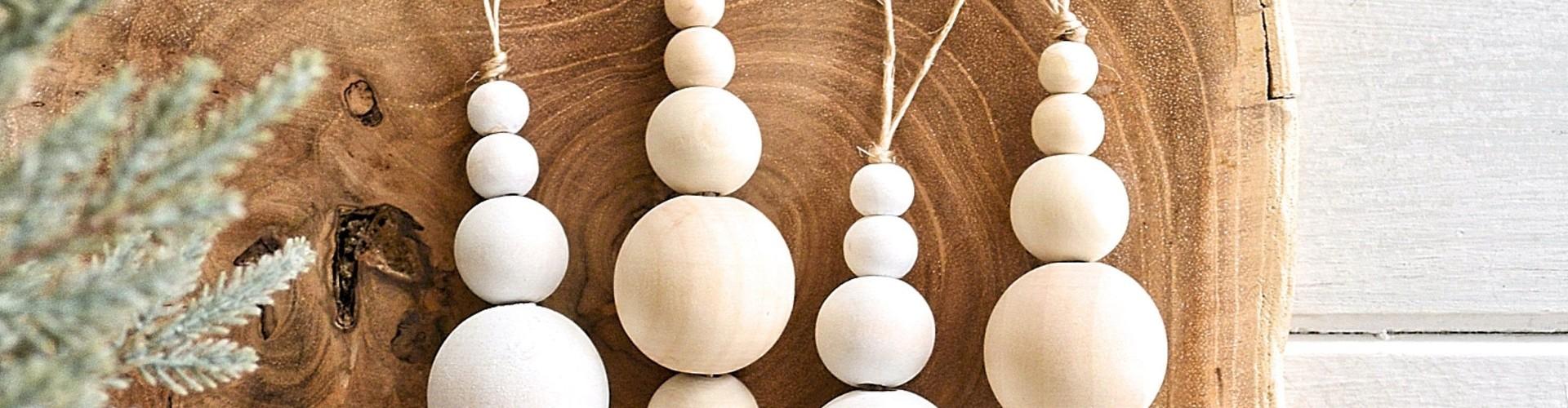 Kerstversiering trends zelf maken: Houten kralen ornament