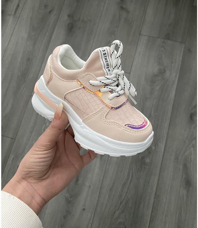 Croco pink sneaker