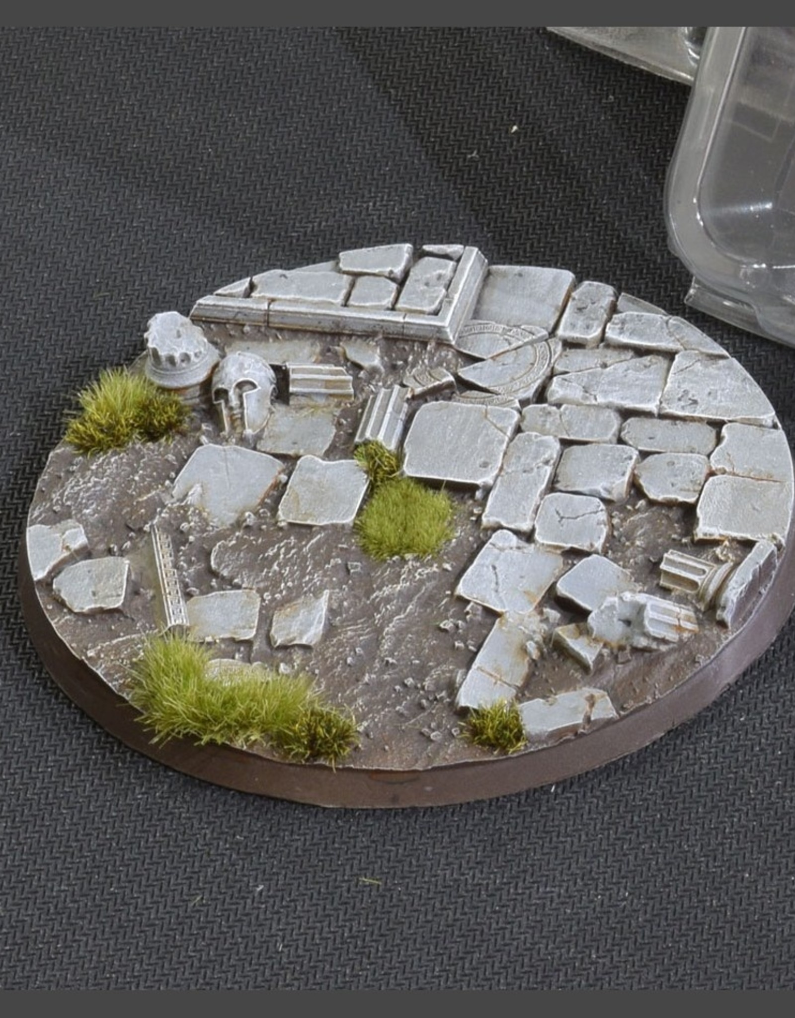 Gamers Grass Temple Bases Pre-Painted (1x 100mm Round)