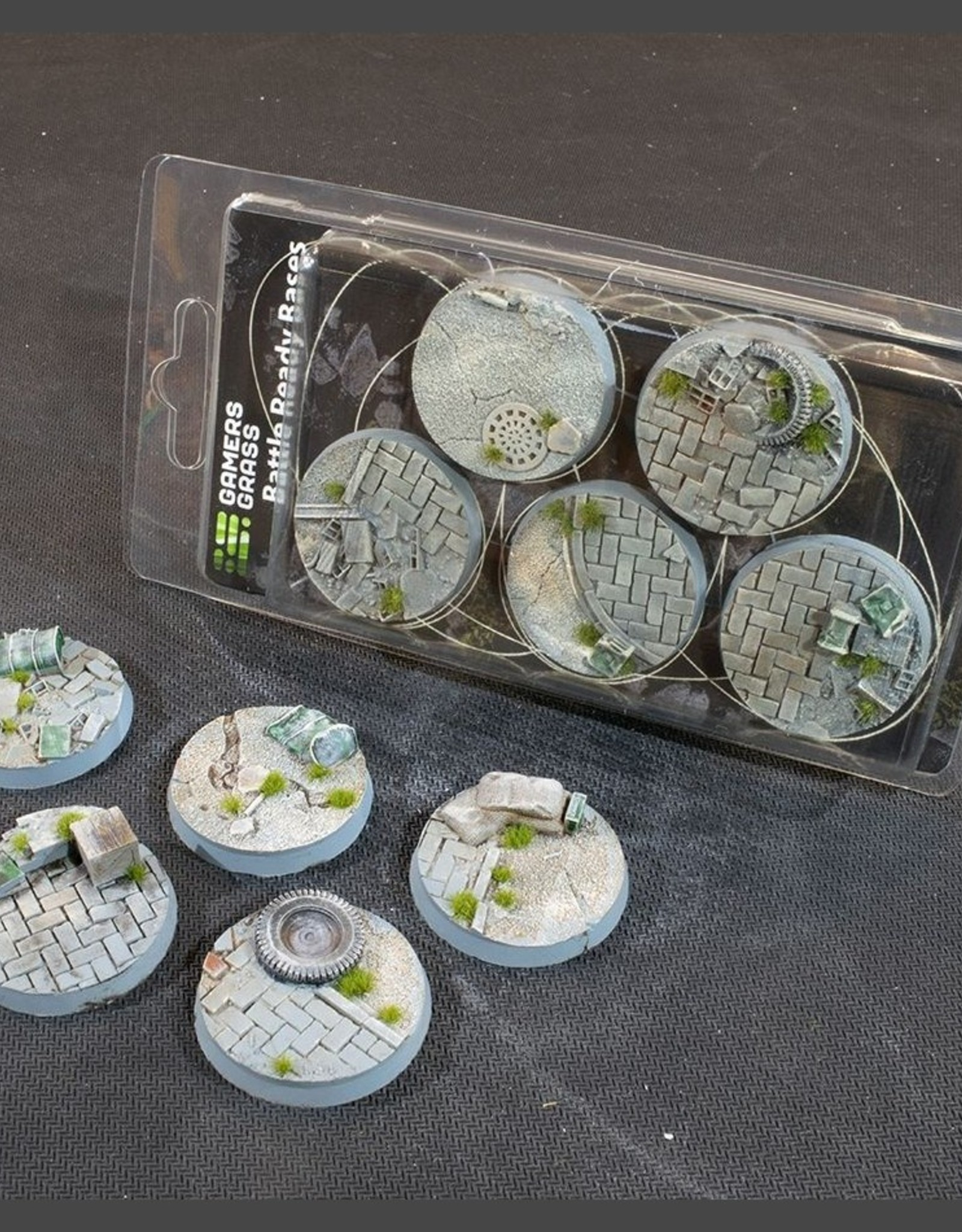 Gamers Grass Urban Warfare Bases Pre-Painted (5x 40mm Round)