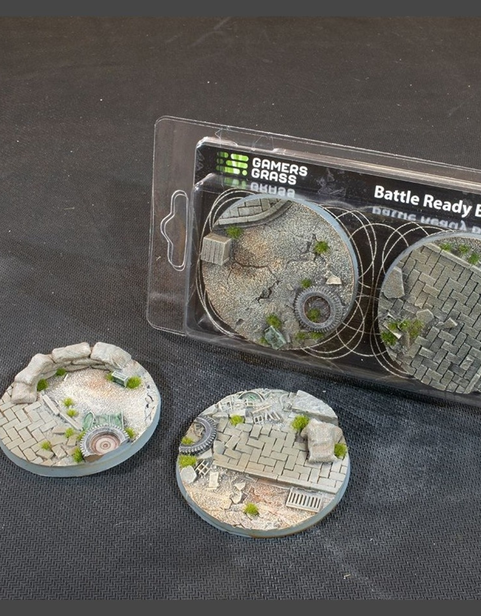 Gamers Grass Urban Warfare Bases Pre-Painted (2x 60mm Round)