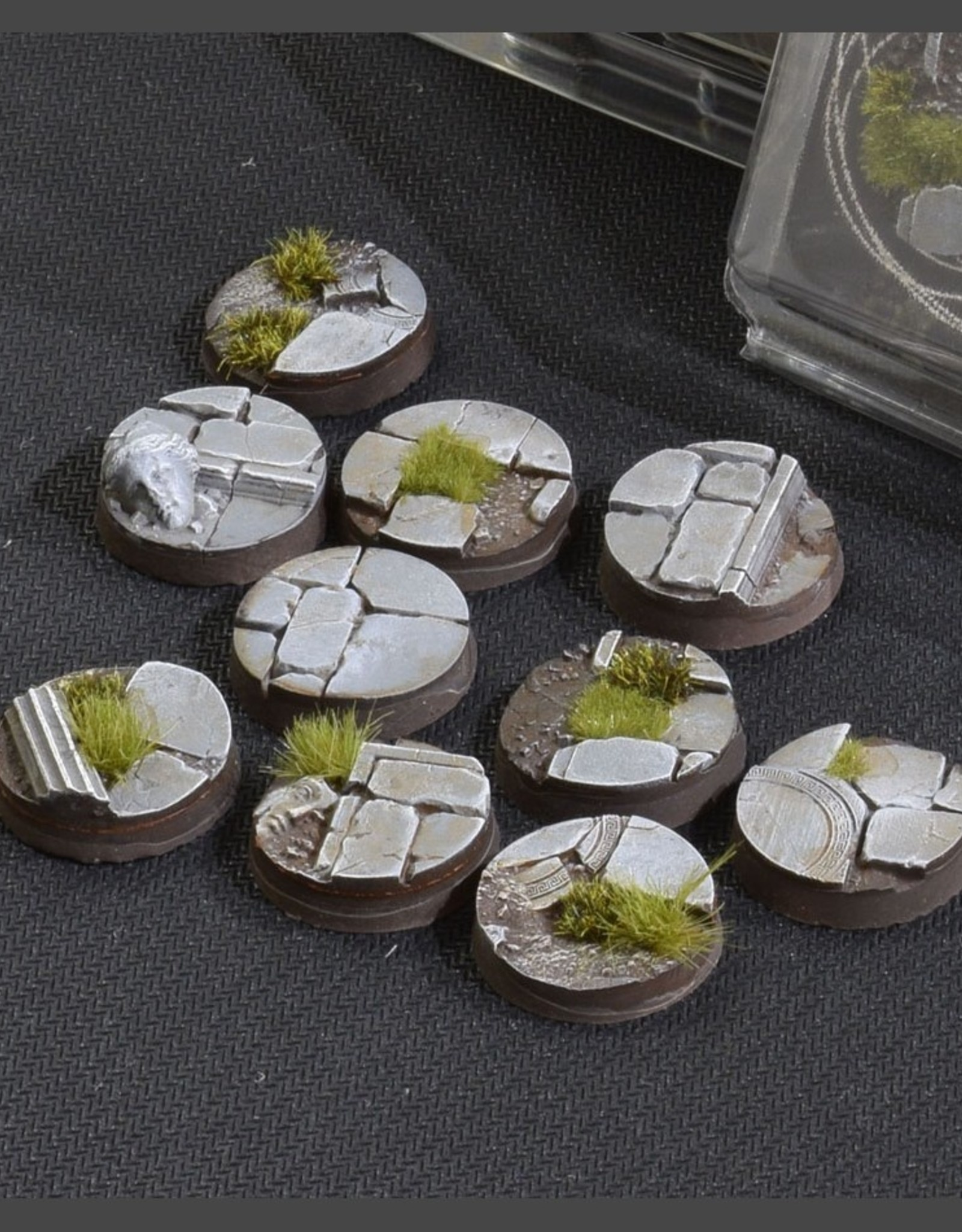 Gamers Grass Temple Bases Pre-Painted (10x 25mm Round )
