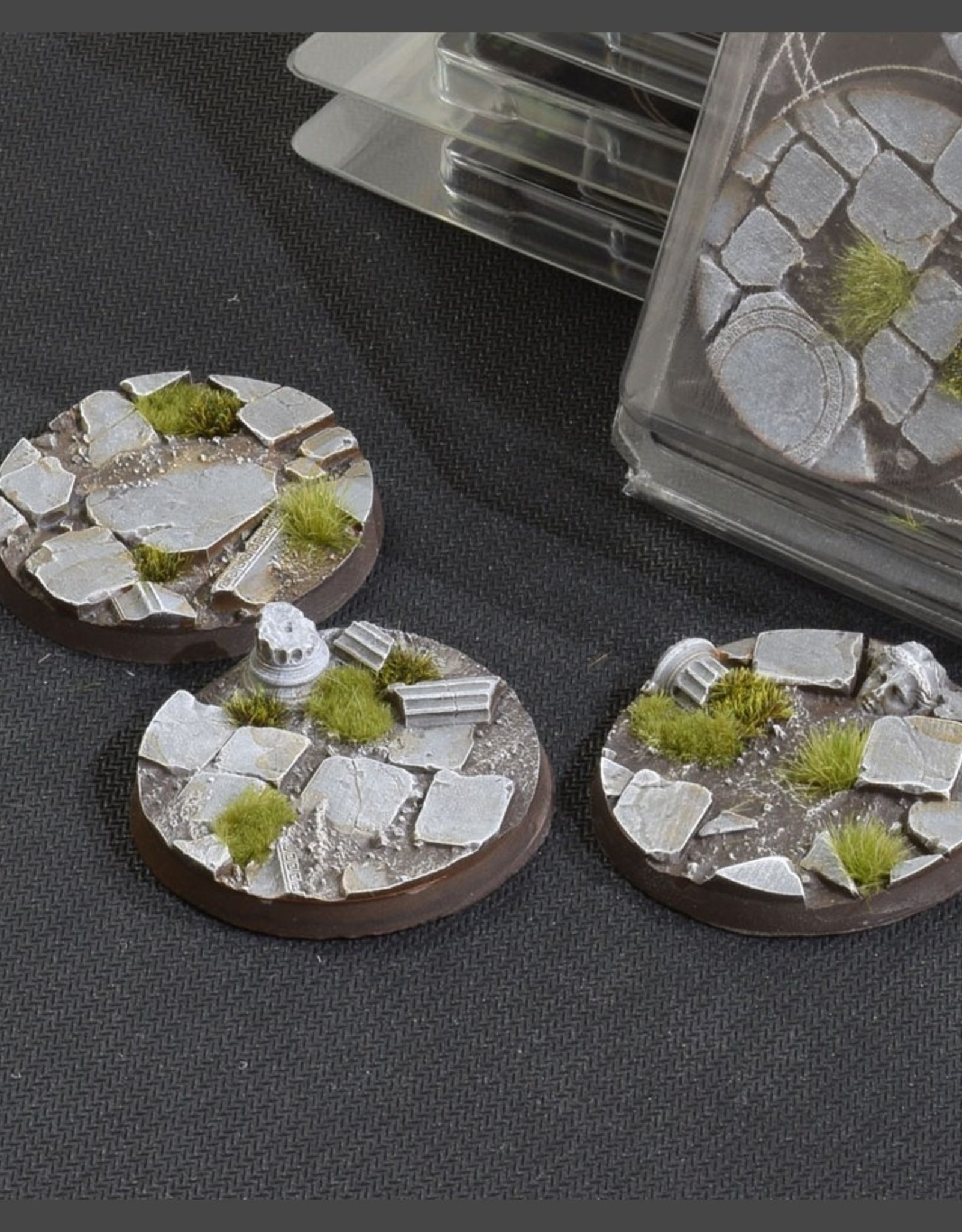 Gamers Grass Temple Bases Pre-Painted (3x 50mm Round)