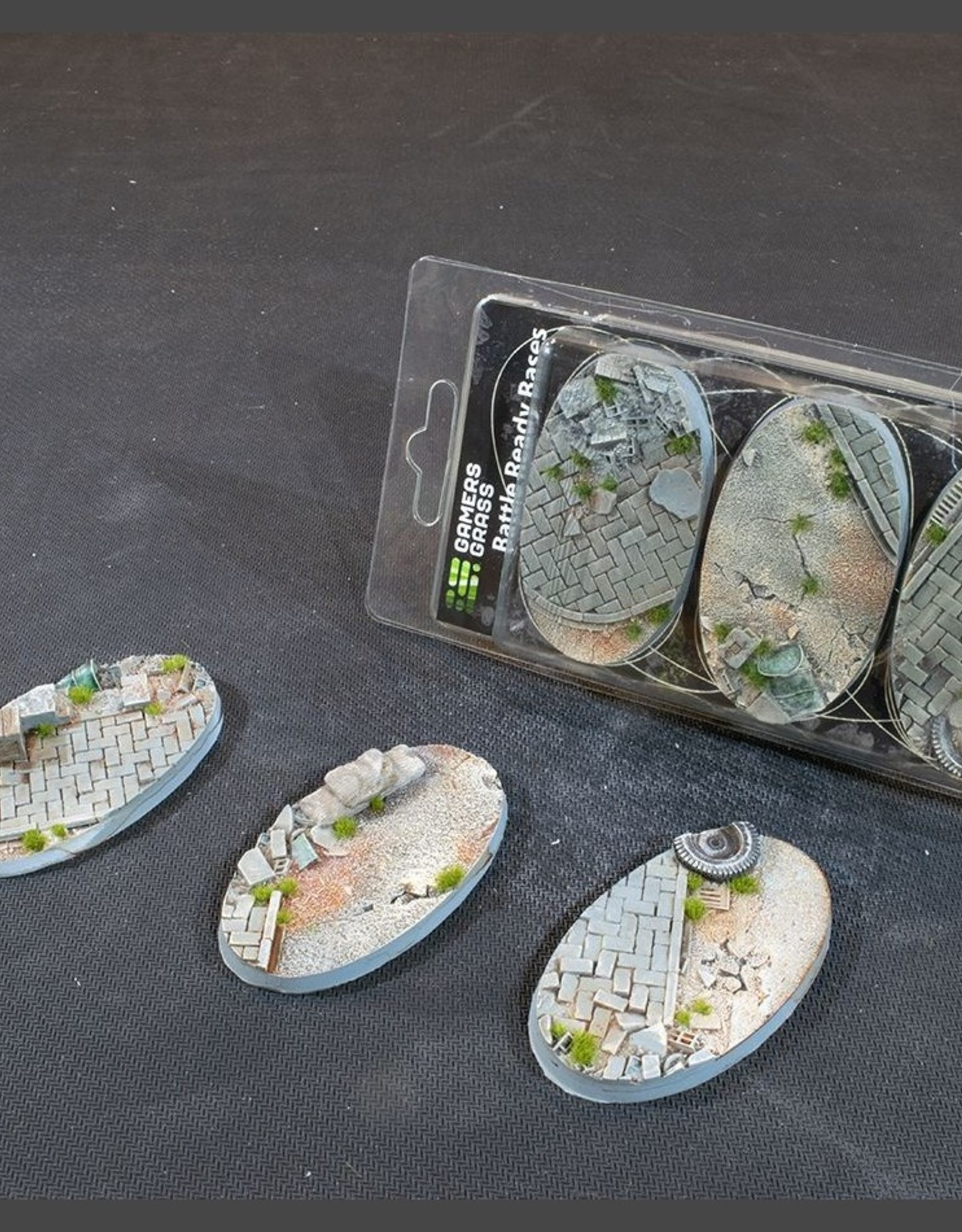 Gamers Grass Urban Warfare Bases Pre-Painted (3x75mm Oval)