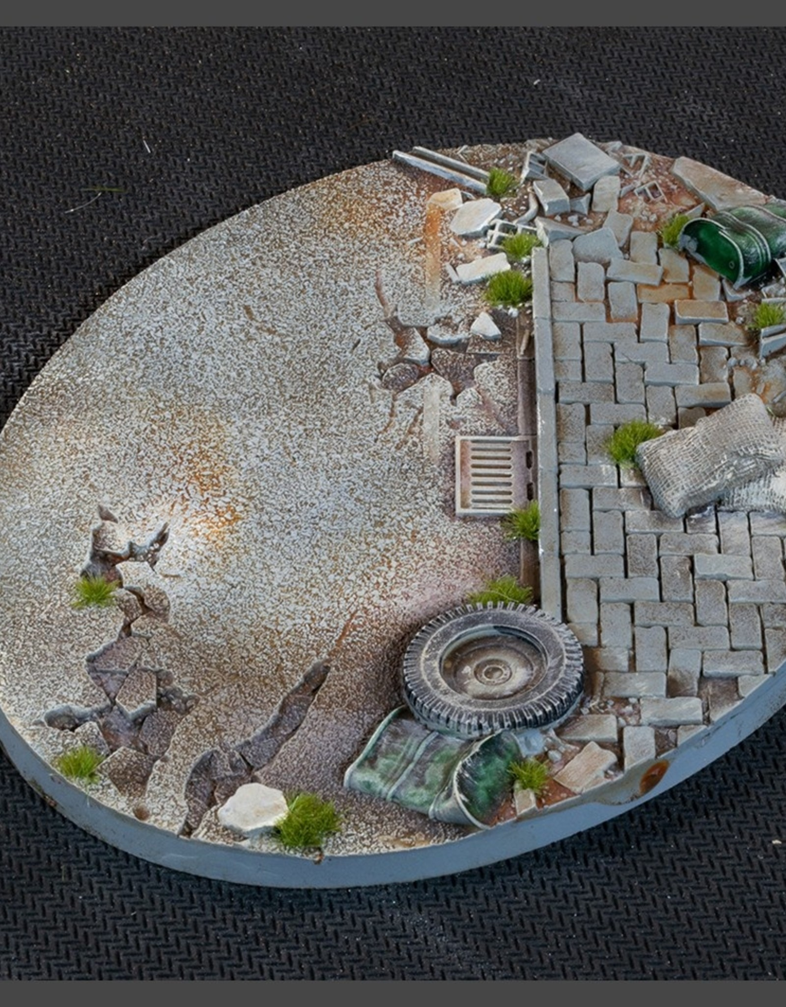 Gamers Grass Urban Warfare Bases Pre-Painted (1x 120mm Oval)