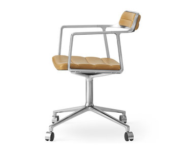 Vipp 452 Swivel chair w/ castors Polished aluminium Sand leather