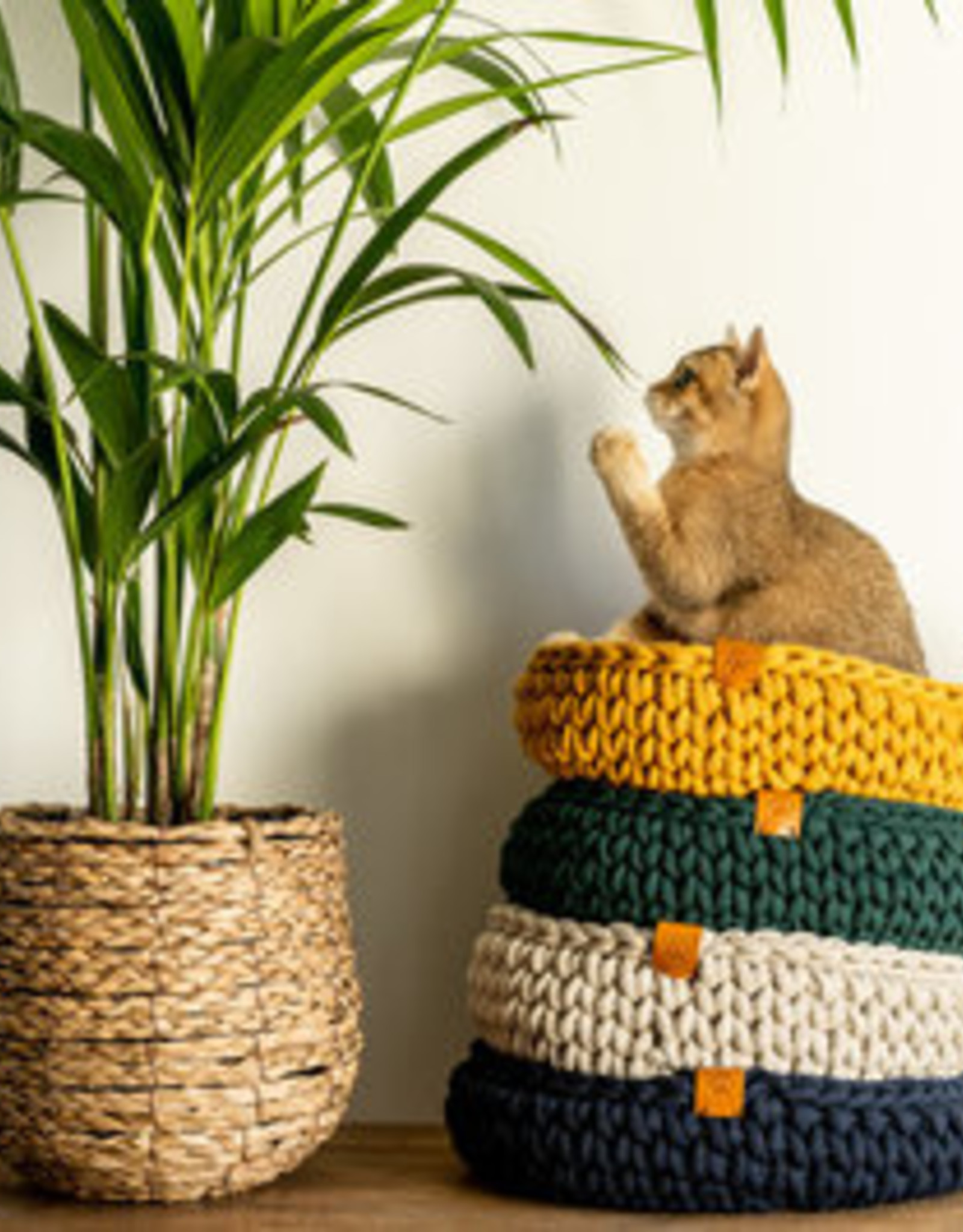 Sunny Baskets Sunny Baskets Handgehaakte kattenmand - Donkerblauw M