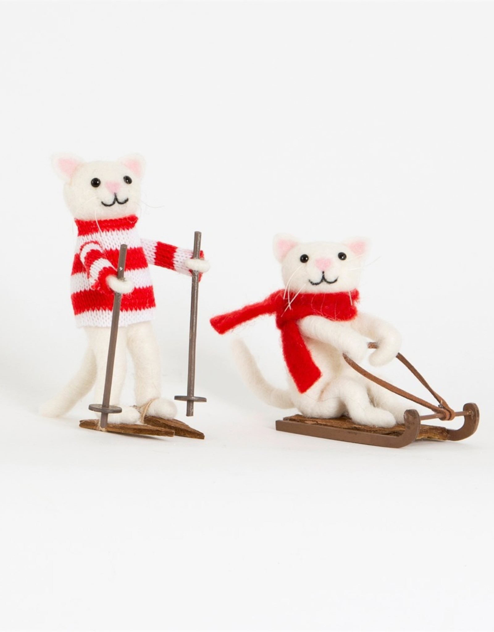 Sass & Belle Sass & Belle skiing cat decoration