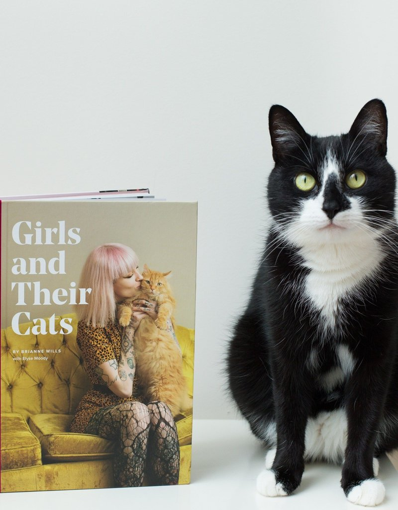 Brianne Willis Brianne Wills - Girls and their cats