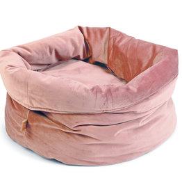 Designed by Lotte Fluwelen mand Roze