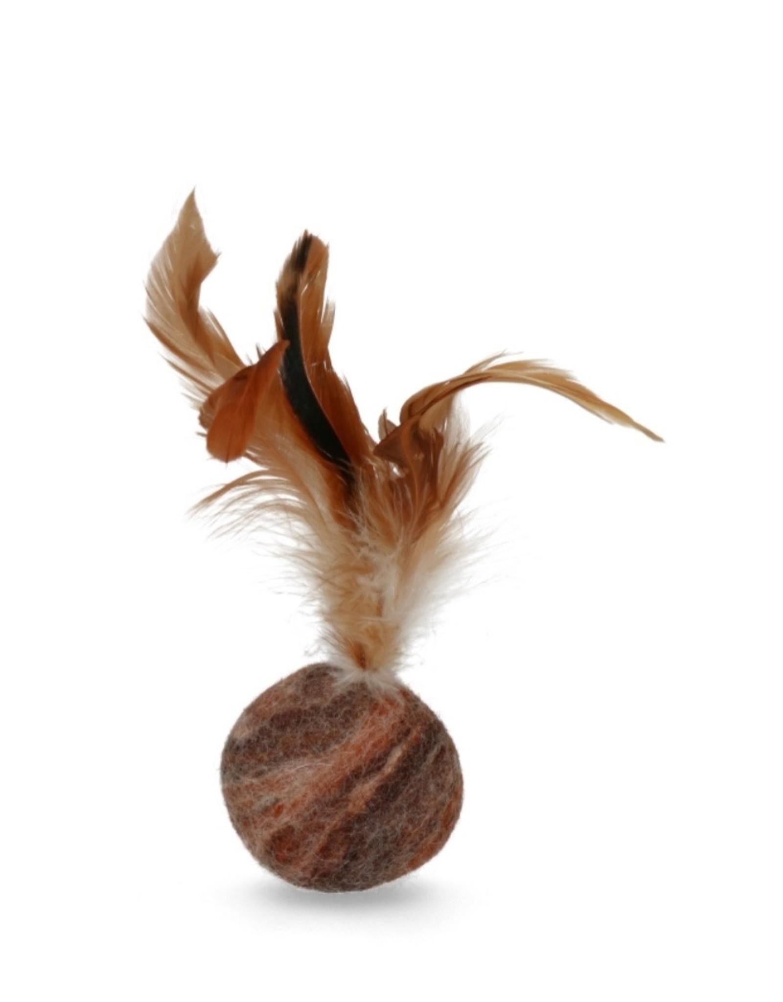 AFP Wooly Luxury - Bruine bal met catnip en veer