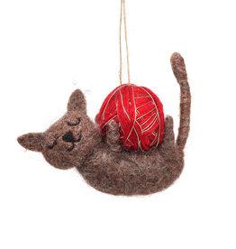 Sass & Belle Sass & Belle - Bruine kerstkat met bal van garen