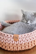 Sunny Baskets Sunny Baskets Handgehaakte kattenmand - Two-Tone Blush and Terracotta M