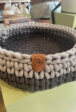 Sunny Baskets Sunny Baskets Handgehaakte kattenmand - Two-Tone Charcoal and Light Grey  M