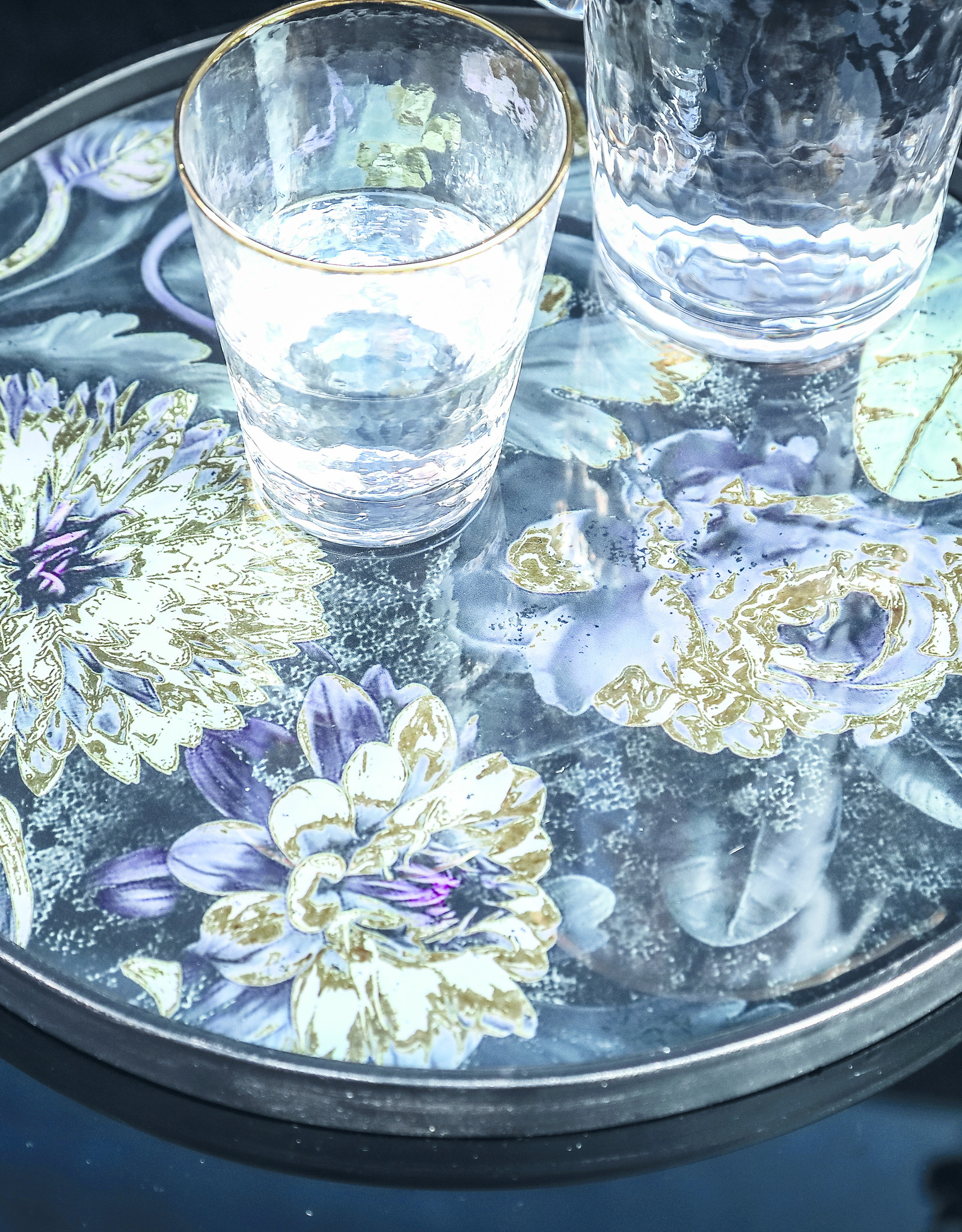Tray Flowers with gold details