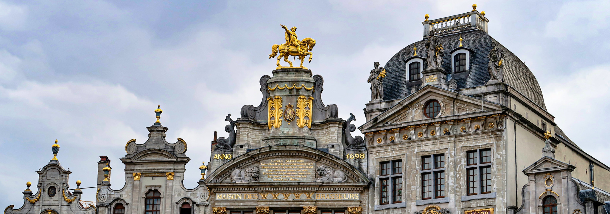 Where can you find het best perfumeries in Brussels? Join us for a scented city walk