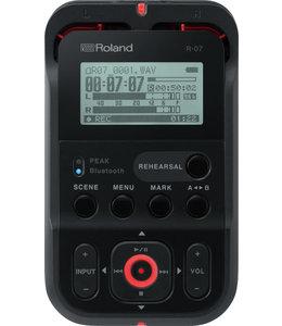 Roland R-07 BK portable recorder player Black
