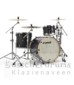Sonor SQ1 322 GTB black drum kit
