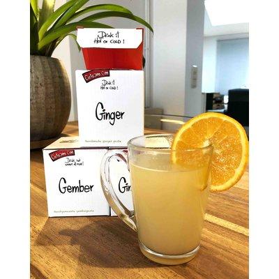 Confiture artisanale de gingembre fraîche, également délicieux avec de l'eau chaude comme boisson chaude au gingembre.