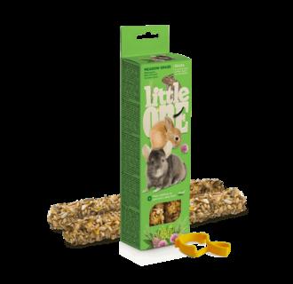 Little One sticks voor cavia's, konijnen, degoes en chinchilla's met weidegras, 2x55 g